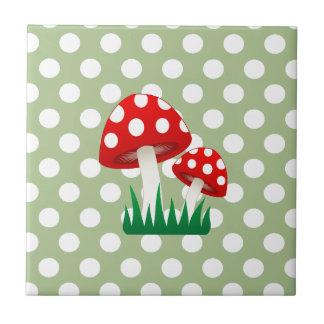 Girly Pilz-Tupfen des entzückenden netten Spaßes Kleine Quadratische Fliese