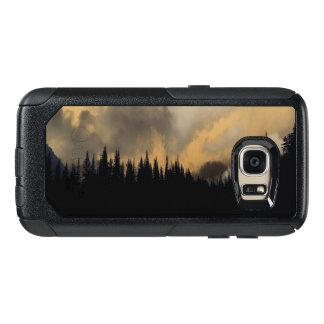 Glacier Nationalpark-bedrohlicher Himmel und Bäume OtterBox Samsung Galaxy S7 Hülle