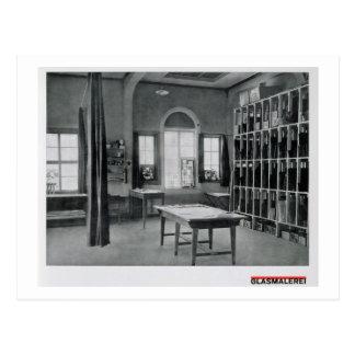 Glasmalerei-Studio, von den Werkstätten des B Postkarte