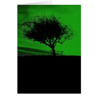 Glastonbury Weißdorn. Baum auf Hügel. Grünes Karte