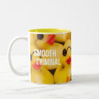 Glattes kriminelles GummiDuckie Zweifarbige Tasse