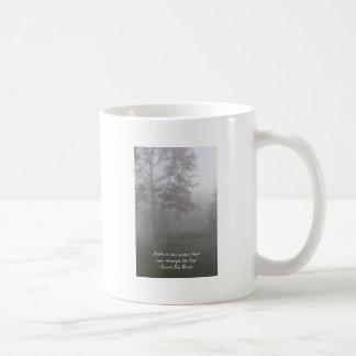 Glaube sieht durch Nebel Kaffeetasse