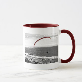 Gleitschirmfliegen durch die Ozean-Kaffee-Tasse Tasse