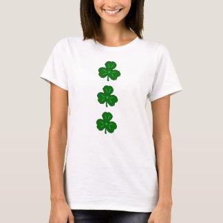 Glückliche grüne Iren St. Patricks des Kleeblatt-  T-Shirt