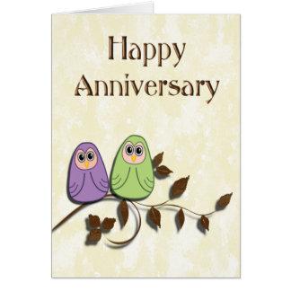 Glückliche Jahrestags-Paare der niedlichen Grußkarte