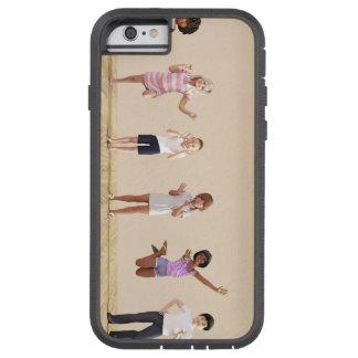 Glückliche Kinder in einer Tagesbetreuung oder Tough Xtreme iPhone 6 Hülle