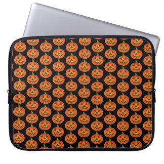 Glückliche Kürbis-Jack o Laterne Halloweens orange Laptop Sleeve