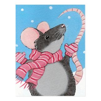 Glückliche Maus in der Schnee-festlichen Postkarte