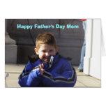 Glückliche Vatertags-Mamma-Karte