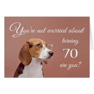 Glücklicher 70. Geburtstag, besorgter Beagle Karte