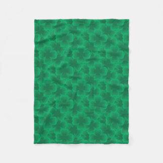Glücklicher Klee-irischer Frühlings-Klee des Fleecedecke