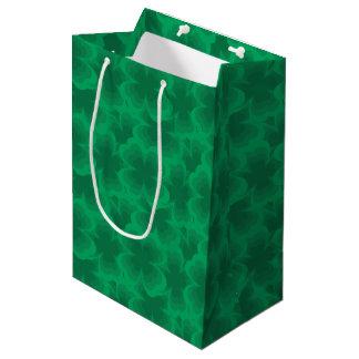Glücklicher Klee-irischer Frühlings-Klee des Mittlere Geschenktüte