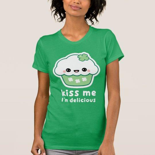 Glücklicher kleiner Kuchen T-Shirt