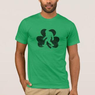 Glücklicher Sasquatch T - Shirt (beunruhigt)