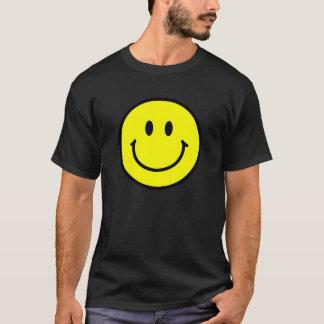 Glückliches Gesichts-grundlegender dunkler T - T-Shirt