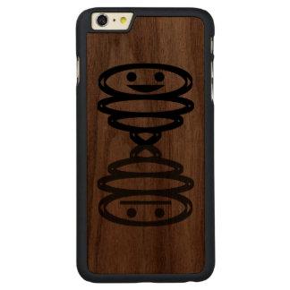 Glückliches n taub carved® walnut iPhone 6 plus hülle