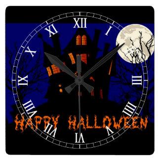 Glückliches Spuk Haus Halloweens Quadratische Wanduhr