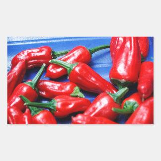 Glühend und Blau: Paprika-Paprikaschoten Rechteckiger Aufkleber