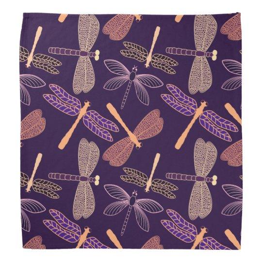 Glühende Nachtlibellen auf dunklem Halstücher