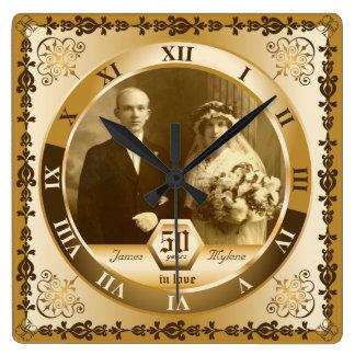 Goldene Hochzeits-Jahrestags-kundenspezifisches Quadratische Wanduhr