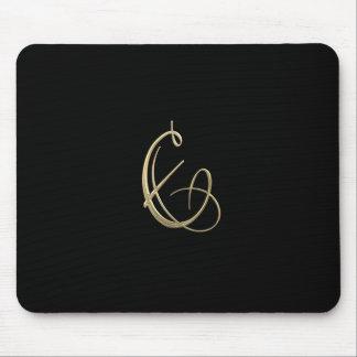 Goldenes Monogramm der Initiale E Mousepads