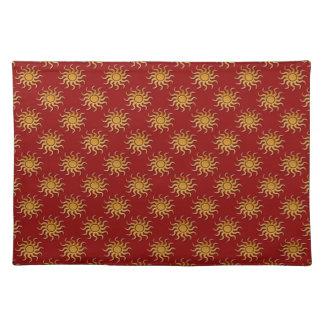 Goldenes Sun-Muster durch Shirley Taylor Stofftischset