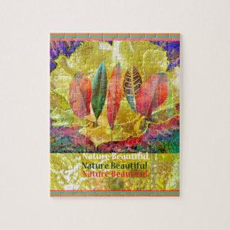 Goldern Blume und Blätter-Natur schön