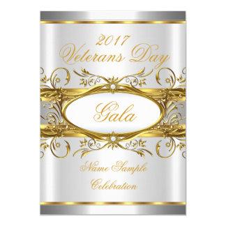 Goldsilbernes Weiß und Goldplaketten-Party Karte