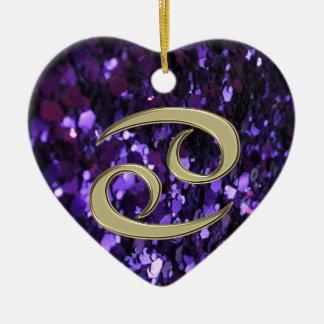 Goldtierkreis-Zeichen-Krebs auf lila Keramik Ornament