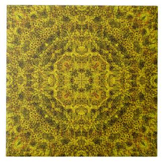 Goldweb mit Filigran geschmückt Große Quadratische Fliese