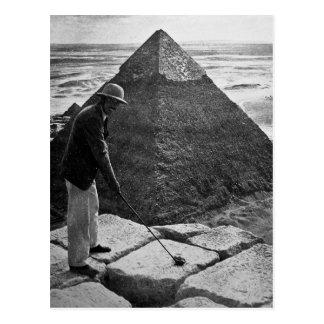 Golf am Pyramide-Vintagen Schwarzweiss Postkarte