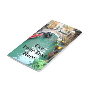 Gondeln auf einem venezianischen Kanal Taschennotizbuch