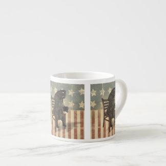 Gop-Elefant übernimmt das Stuhl-lustige politische Espresso-Tasse
