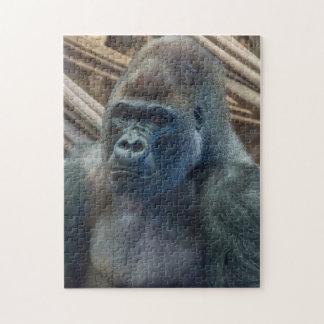 Gorilla herauf nahes Fotopuzzlespiel