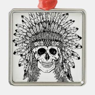 Gotischer Schädel der Stammes- Art mit Federkrone Silbernes Ornament