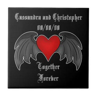 Gotisches winged Herz zusammen für immer Fliese