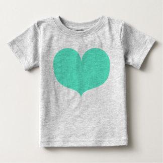 Grand T-shirt turquoise de bébé de coeur