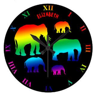 Grande Horloge Ronde Famille d'éléphant d'arc-en-ciel avec trois veaux