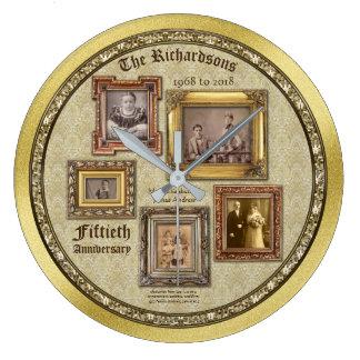 Grande Horloge Ronde L'antiquité d'anniversaire de mariage d'or encadre