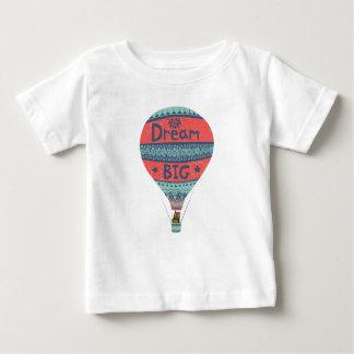 Grandes décorations indiennes chaudes rêveuses de t-shirt pour bébé