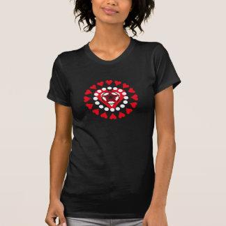 Graphique de coeur d'amour d'Emo T Shirts