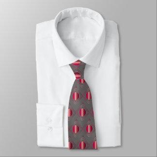Grau u. Rot eingepackt - in der Krawatte
