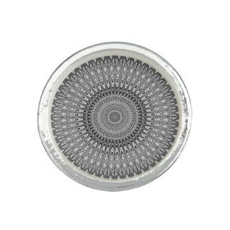 Graue Mandala Foto Ring