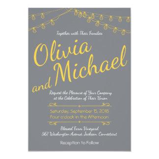 Graue und gelbe Hochzeits-Einladung mit Lichtern Karte