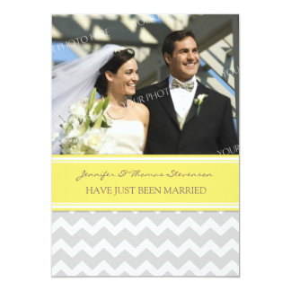 Graue Zitronen-Zickzack Foto-gerade verheiratete 12,7 X 17,8 Cm Einladungskarte