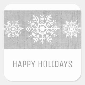 Grauer rustikaler Schneeflocke-Feiertag Quadratischer Aufkleber