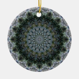Graues, grünes und blaues Mandala-Kaleidoskop Keramik Ornament