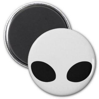 gris étranger magnet rond 8 cm