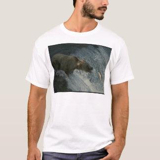 Grizzlybär Bild-Fischen für Lachse T-Shirt
