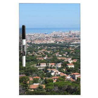 Großartiges Luftpanorama von Livorno-Stadt, Trockenlöschtafel